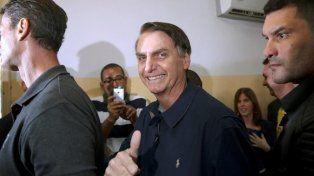 Bolsonaro y su peculiar saludo para Macri