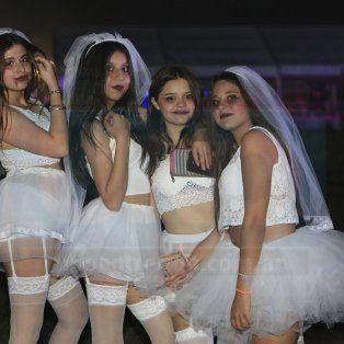 El segundo envío de las fotos en la Fiesta de Disfraces 2018