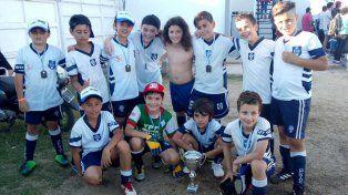 La Categoría 2009 de Off Side se adjudicó la Copa de Plata