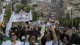 En las calles de Trelew una multitud de mujeres reclamó por sus derechos