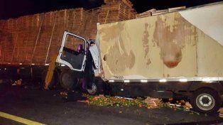 Choque en la autovía Gervasio Artigas: rescataron el cuerpo sin vida de un conductor