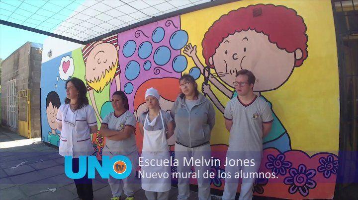Los chicos de la Melvin Jones pintaron el patio con escenas cotidianas