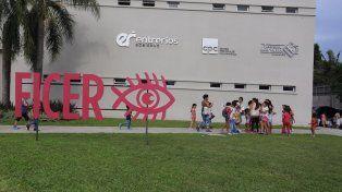 Los chicos y las chicas de los barrios pasaron la tarde en el CPC.