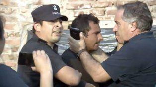 Sospechoso. Uno de los tíos fue llevado por la Policía a sede judicial. Foto: Clarín