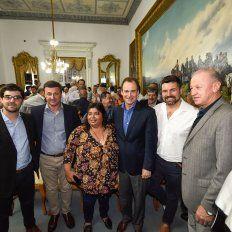 Satisfacción. Legisladores e intendentes del norte participaron del acto con Bordet.