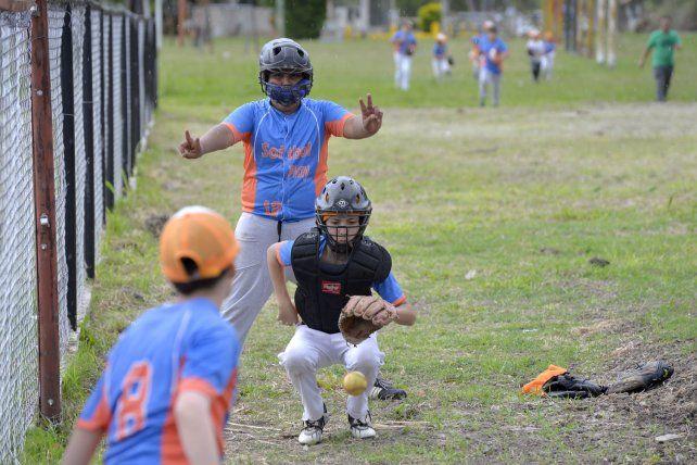 Visitantes. Softbol Play