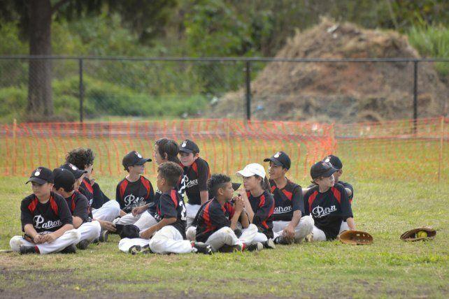 Locales. Por primera vez después de décadas el sóftbol de Patronato juega en casa.