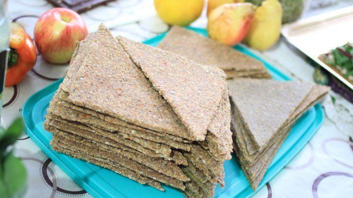 Los triángulos de harina integral listos para ser preparados.
