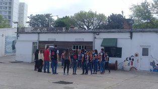 Con los estudiantes.