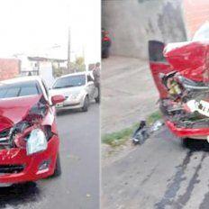 Difusión. El vehículo quedó muy dañado después de la corta persecución que terminó con el siniestro.
