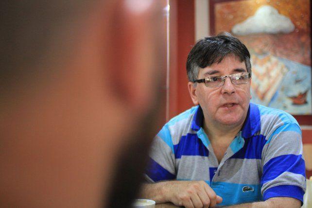 José Luis Pérez del Grupo de Usuarios de Linux Paraná trabaja en la organización.