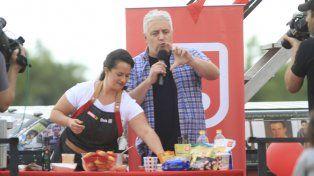 El conductor disfrutando de la acción que se desarrolló en la Costanera de Paraná.