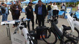 En bicis eléctricas llevarán a todo Paraná las ofertas del Mercado a tu casa