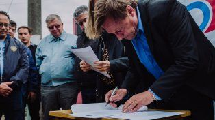 Se firmó el inicio de obra para la pavimentación de importantes calles de zona sudeste