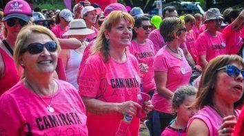 el parque urquiza se cubrio de rosa para concientizar sobre el cancer de mama