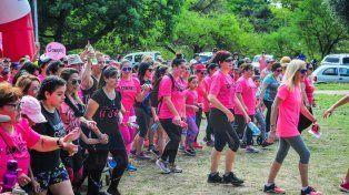 El Parque Urquiza se cubrió de rosa para concientizar sobre el cáncer de mama
