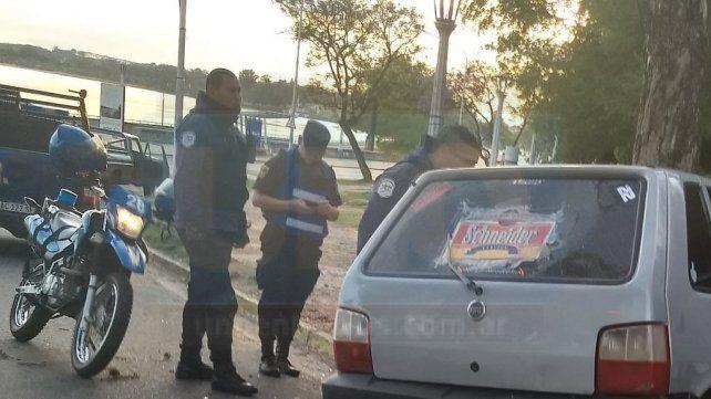 Paraná: Automóvil despistó y se incrustó contra un árbol en el Parque Urquiza