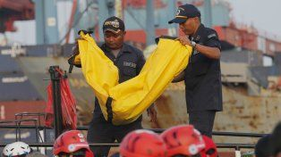 Avión de aerolínea indonesia cayó al mar con 189 personas a bordo