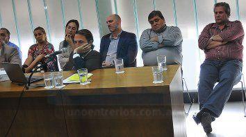Caras largas. Zarza, Santamaría, Suárez, De la Rosa y Monzón, escucharon atentamente los alegatos finales..
