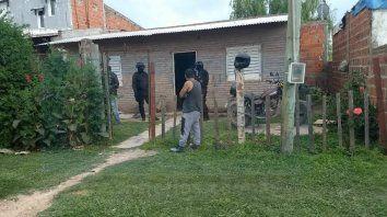 tension en el barrio capiba por la detencion de una persona y secuestro de armas