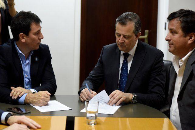La Provincia rubricó un acuerdo para construir 500 casas en Paraná
