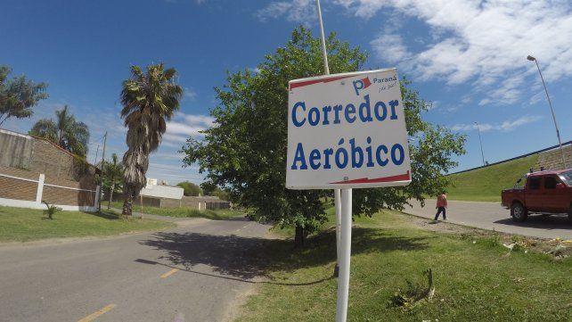 El cartel que colocó la Municipalidad de Paraná.