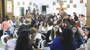 Compromiso. Más de 80 actores sociales de diferentes áreas asistieron al encuentro organizado en al barrio Gaucho Rivero.