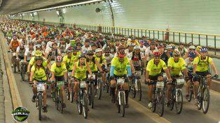 El año pasado fueron 1300 los ciclistas que cruzaron el túnel.