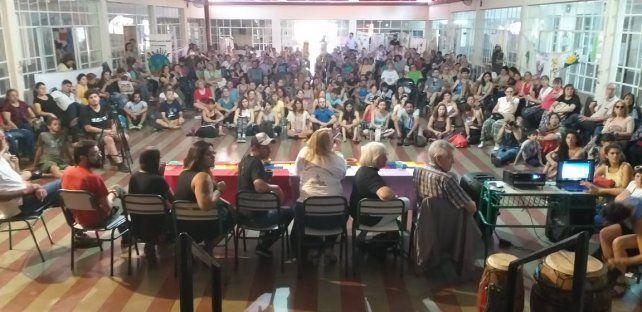 Una de las asambleas multitudinarias.
