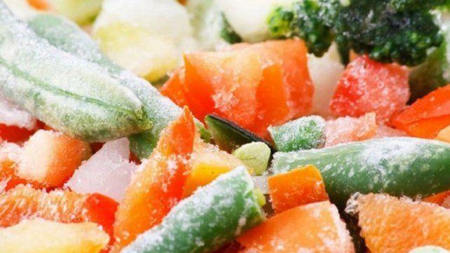 ANMAT prohibió la venta de hortalizas congeladas y una marca de cerveza