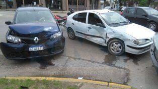 Abollones. Los dos autos colisionaron en Ramírez y Urquiza.