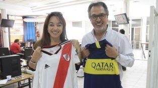 Sonia Fernández y Víctor González en la redacción de Diario UNO.
