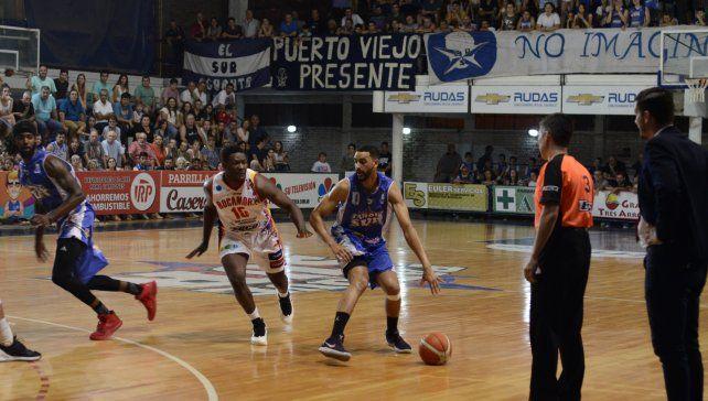 Muy buena cantidad de público disfrutó un lindo partido en el Puerto Viejo por la Liga Argentina.