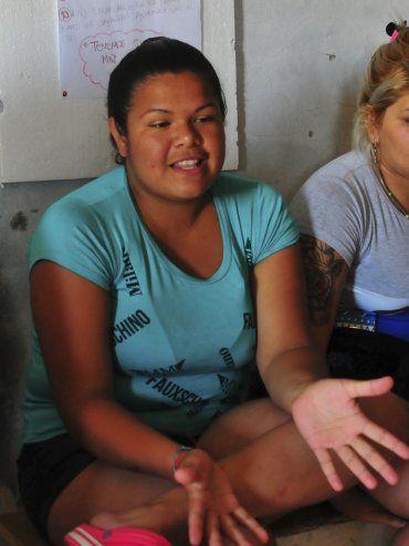 Natacha. Ella y otras jóvenes replicaron su experiencia en el taller, donde comparten su realidad cotidiana.