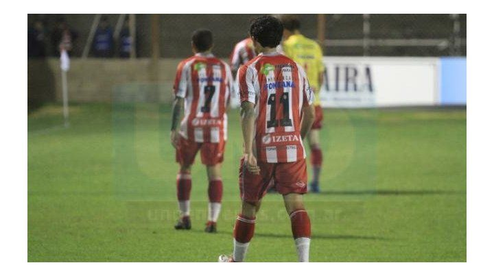 No levanta cabeza. Paraná juega mal y pierde por goleada. Foto: Juan Ignacio Pereira