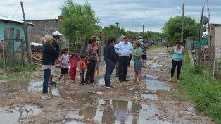 La comuna asiste a los barrios afectados por las intensas precipitaciones