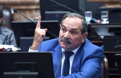 Alperovich anticipó que no votará el proyecto de presupuesto del macrismo.