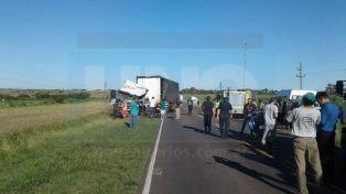 Cuatro camiones chocaron y hubo dos choferes que debieron ser internados