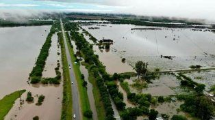 Desbordados. Los arroyos volcaron hacia la zona urbana de Nogoyá.