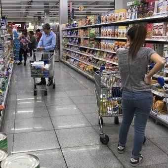 La inflación de marzo fue de 4,7% y acumula 11,8% en tres meses