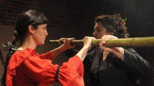 En escena. La obra representa las distintas actitudes frente a la vida de dos mujeres.