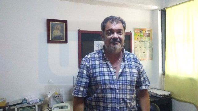 Rubén Solá es director de la escuela secundaria