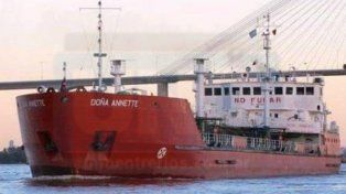 En conflicto. El buque iba a buscar combustible a Campaña