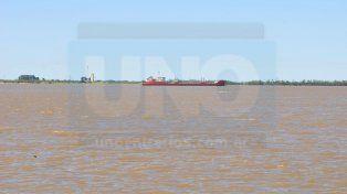 Enojados. La empresa marítima paraguaya no quiere pagar al práctico. Juan Manuel Hernández