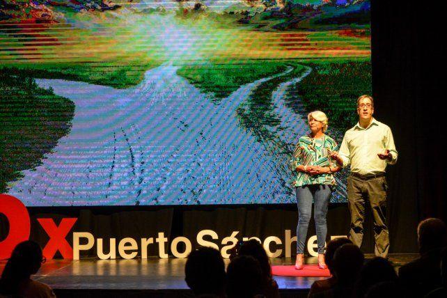 Avellaneda y Bizai en la primera charla TEDx.