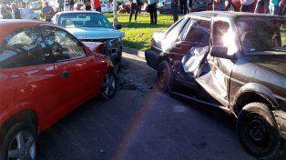 Violento choque en Paraná dejó un muerto y tres heridos