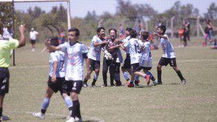 Los campeones. La categoría 2005 de Belgrano que gritó campeón en el certamen jugado en Paraná.
