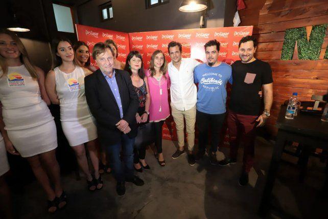 Las promotoras acompañaron la presentación junto al intendente de Paraná