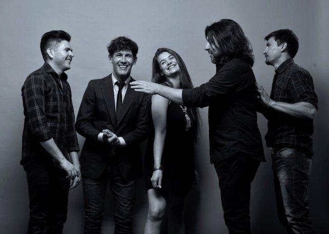 El repertorio de la Hot Band expone el talento y la personalidad de la banda.