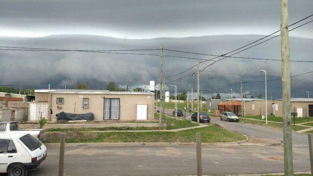Así se armó la tormenta este jueves en San Benito.